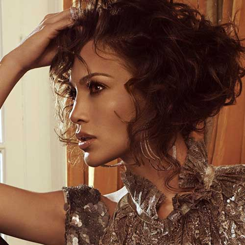 Short Curly Haircuts View Hairstyles For Frizzy Hair