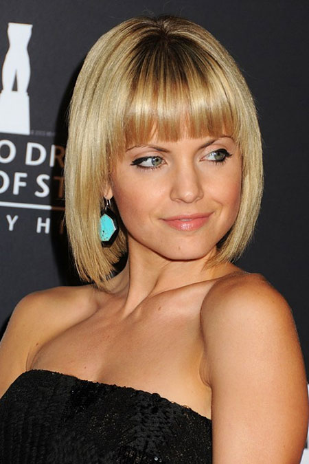 25 Nice Short Straight Hairstyles With Bangs Short