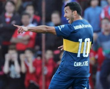 Carlos Tevez le quiebra el tobillo a otro futbolista