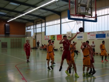 SG2 contre Monts D'Or (9 mai 2015)