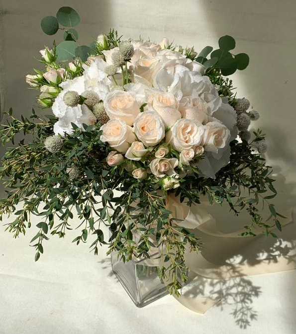 Graceful Beauty Hydrangeas, Roses & Rose Spray Arrangement | Flowers In Vase | Eska Creative Gifting