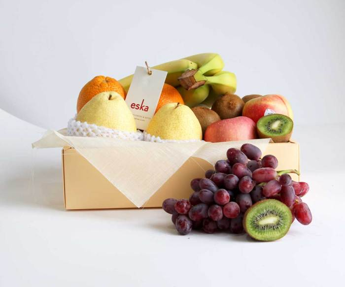 Mixed Fruits Gift Box | Fruit Basket | Eska Creative Gifting