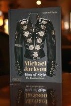 Michael-Bush-King-Style-Dressing-Michael-Jackson