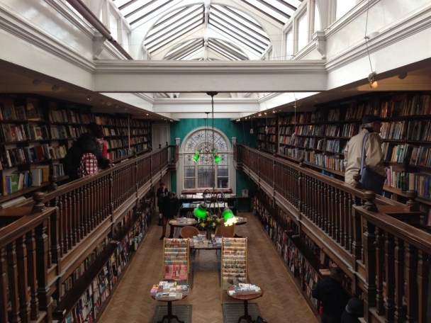 Daunt-Books-london-kitapci-6