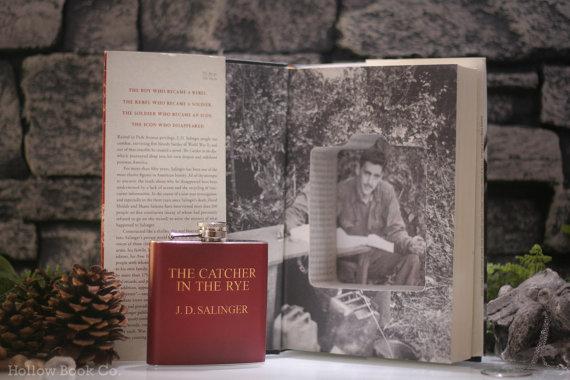 The-Catcher-in-the-Rye-book-safe-cavdar-tarlasinda-cocuklar-kitap-sise