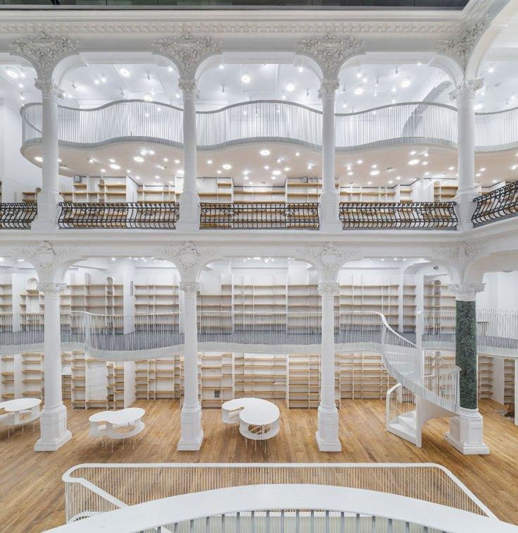 carousel-of-light-library-bucharest-bookstore-2