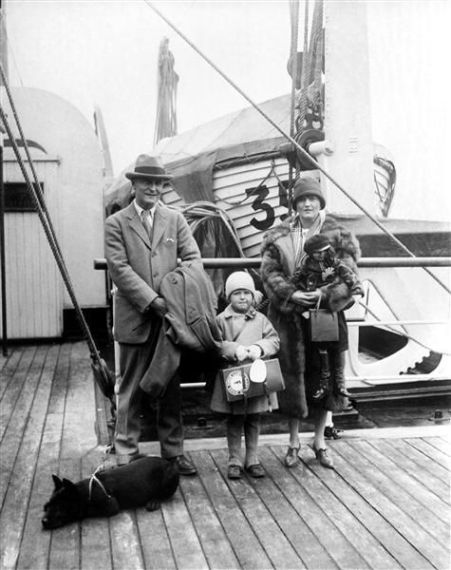 F-Scott-Scottie-and-Zelda-Fitzgerald-1924-cruise-deniz-gezisi-1924