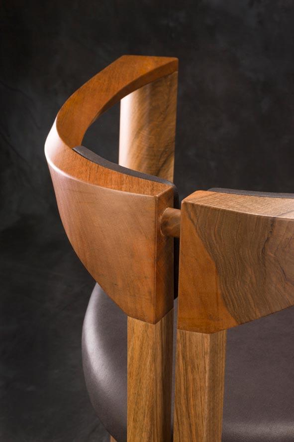 E mobilier Mandala vtc 12 06 007 - Le siège Mandala en noyer cuir