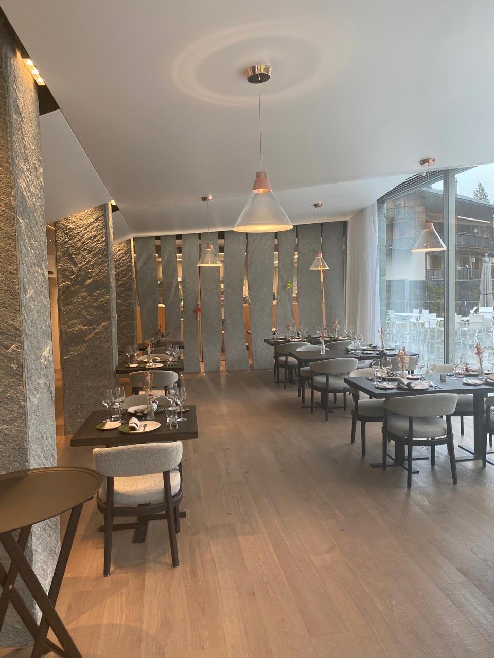 ES Aca 5760 restaurant vtc 20 08 006 - Restaurant le 1465 du Club Alpin