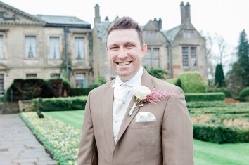 Coombe-Abbey-Wedding-Photographer-vintage-relaxed17