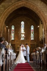 Somerford-hall-book-themed-natural-wedding-43
