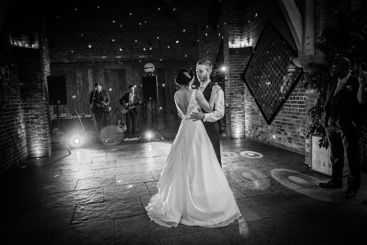 Wedding-photography-Shustoke-barn-leamington-spa-Warwickshire0002