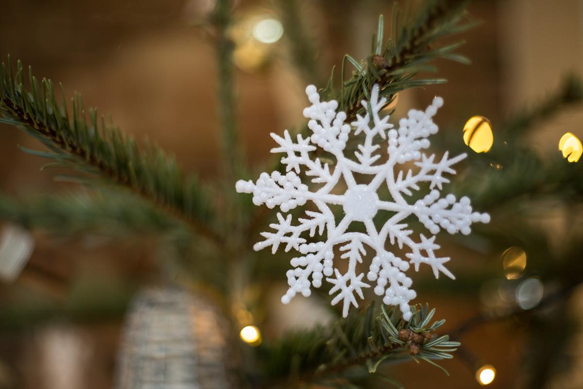 Christmas Tree Mythe Barn Warwickshire Snowflake