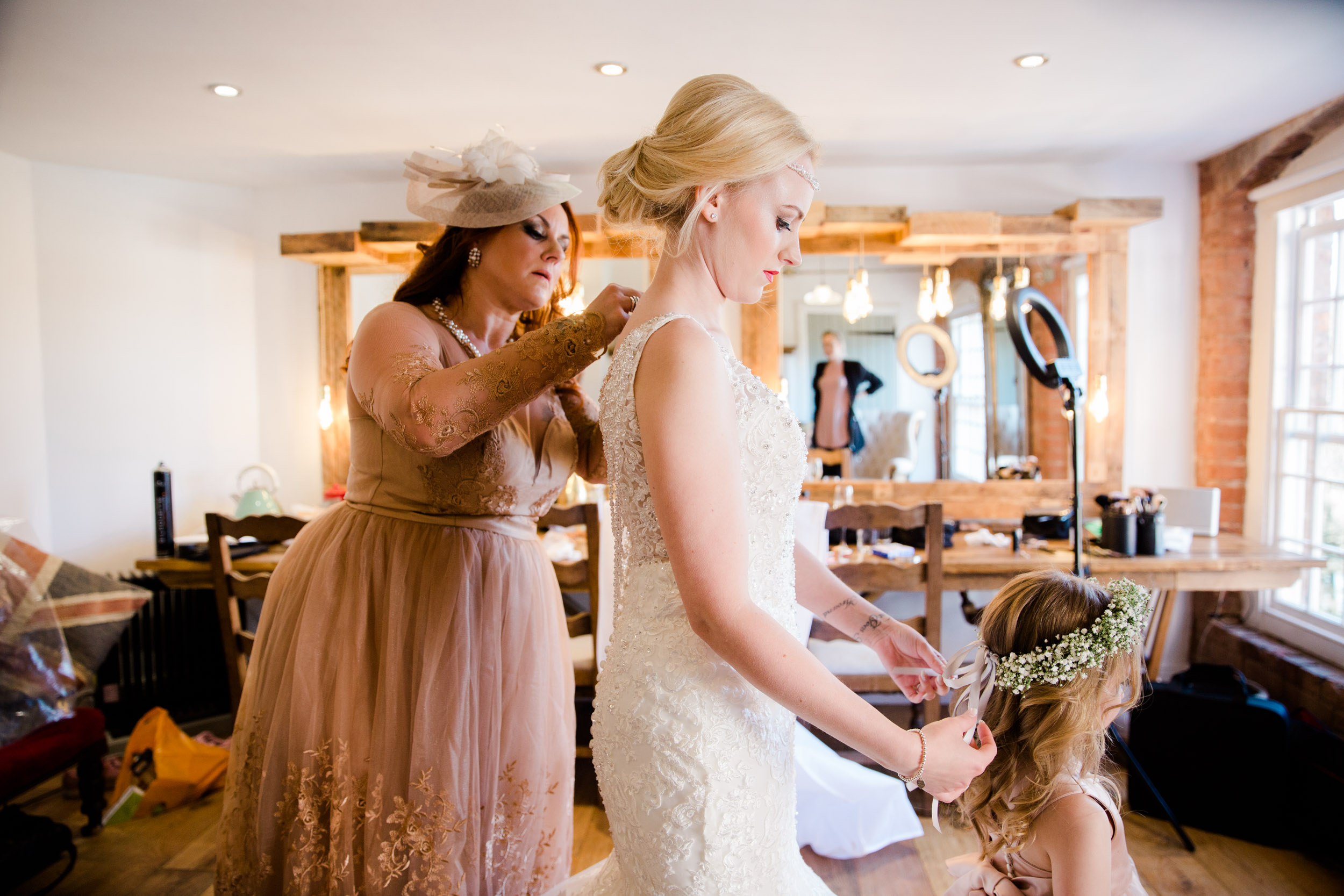 Industrial_glamour_wedding_west_mill_derby55