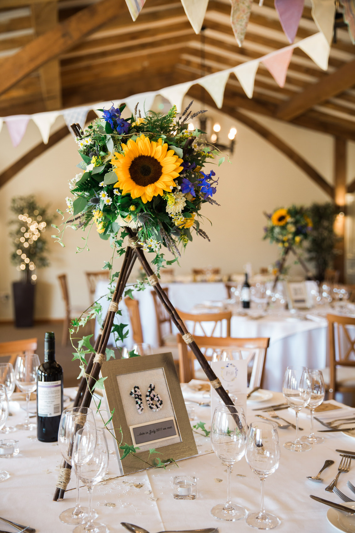 Yellow_And_Blue_86Rustic_Barn_Wedding-1