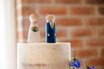 Yellow_And_Blue_88Rustic_Barn_Wedding-1