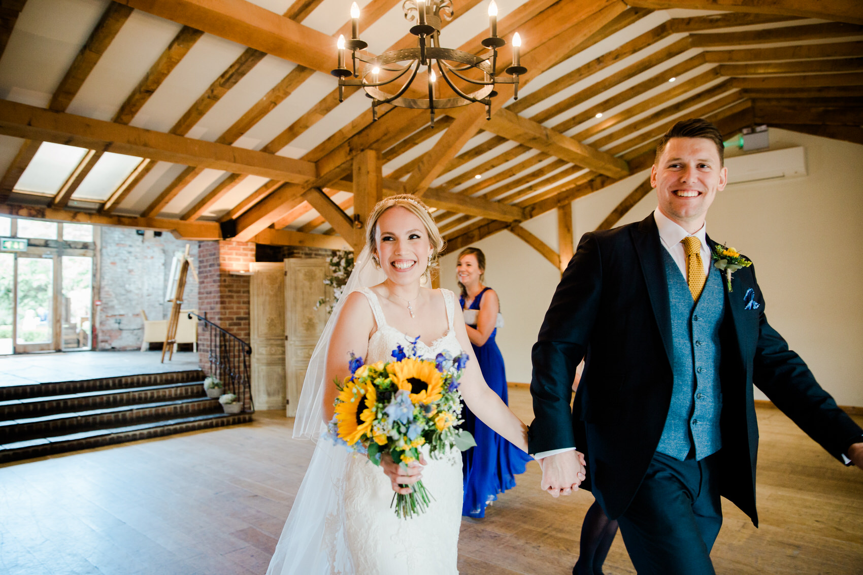 Yellow_And_Blue_94Rustic_Barn_Wedding-1