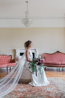 Gold & Floral Styled Shoot018