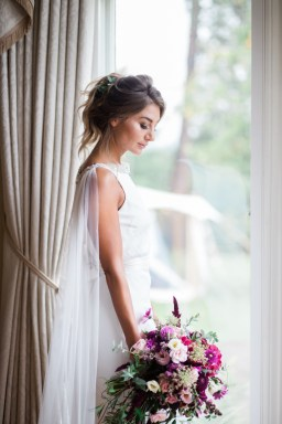 Gold & Floral Styled Shoot022