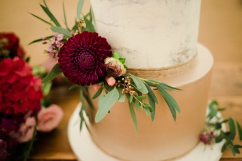Gold & Floral Styled Shoot082