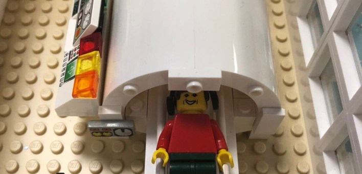 An MRI machine made of LEgo
