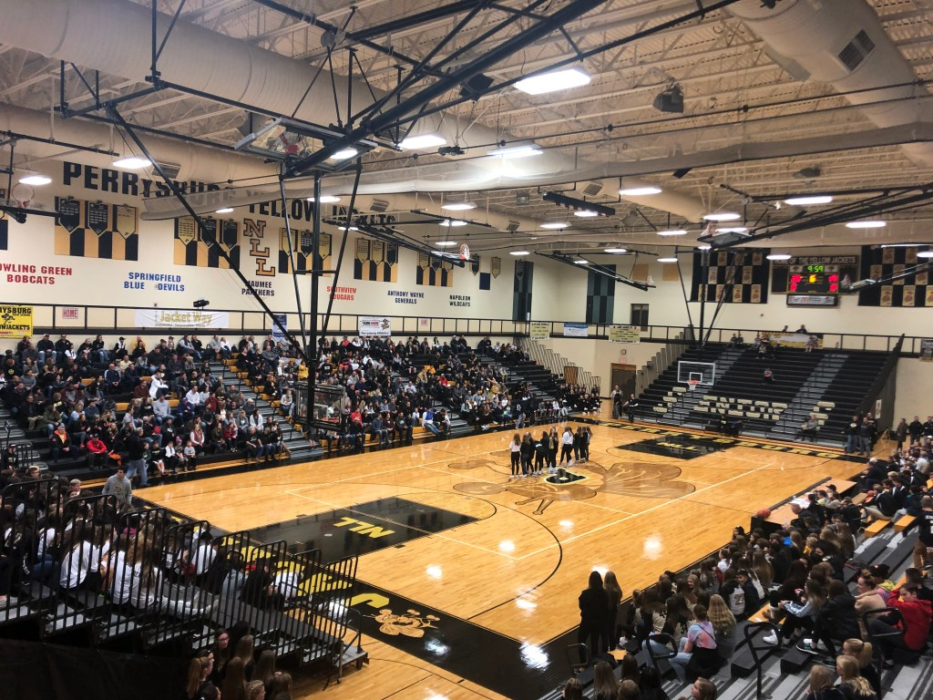 Arrival of people in the main gym