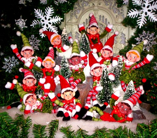 Babbo Natale E Gli Elfi.La Leggenda Degli Elfi Di Babbo Natale La Gazzetta Delle Medie