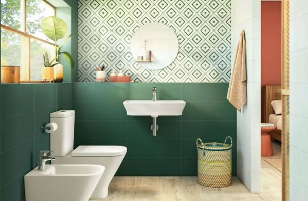 vert dans la salle de bain