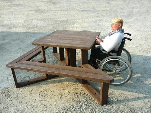 a:0:{} - Table de pique-nique adaptée aux pmr STATION ESPACE URBAIN