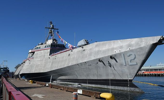USS Omaha (LCS 12) Commissioning Ceremony (4119951)