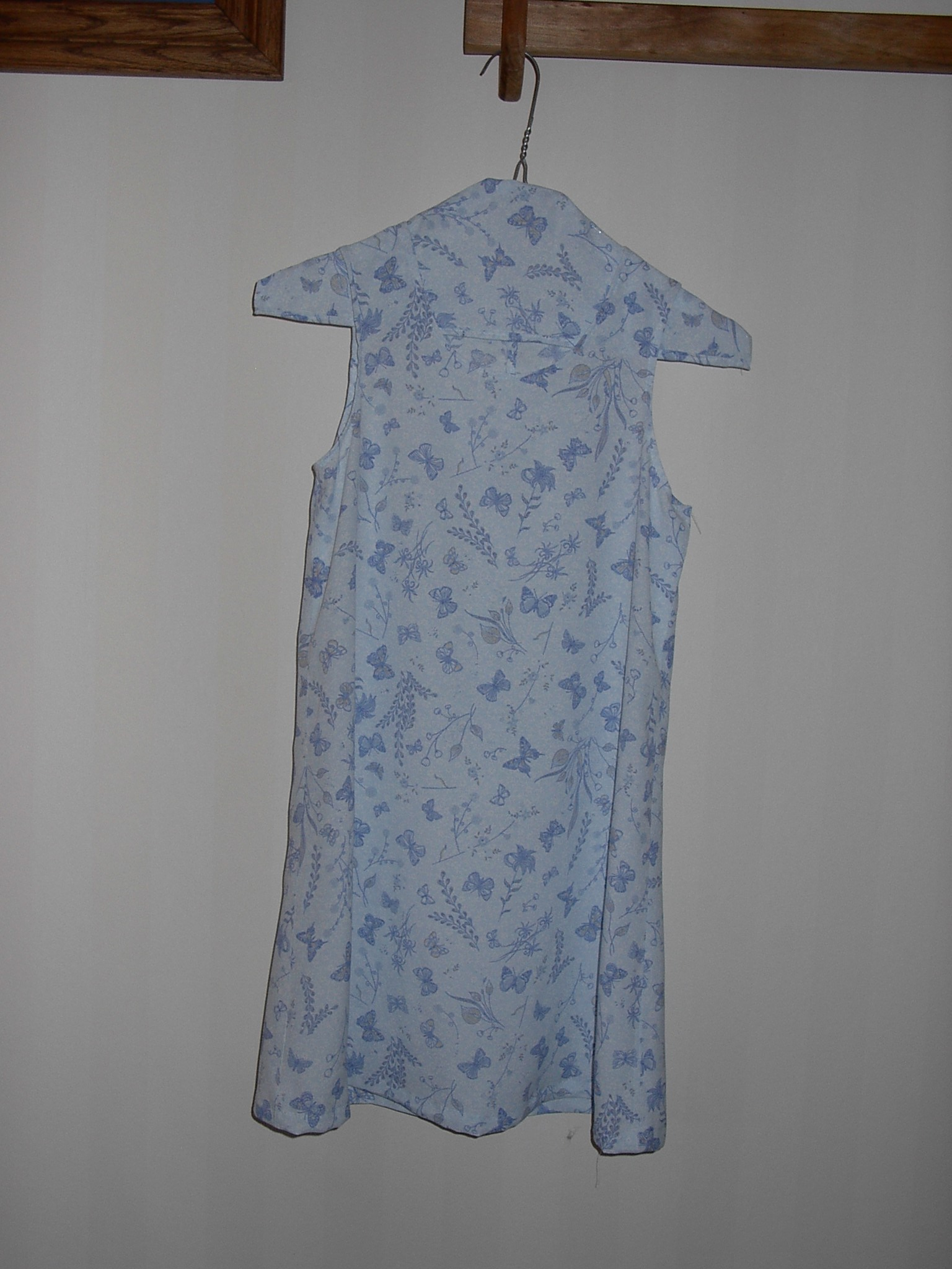 Blue dress with matcing hanger
