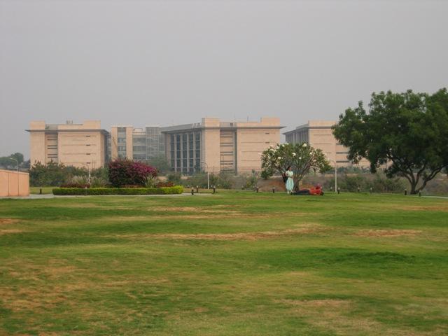 Microsofts campus i Hyderabad (klikk på bildet for større versjon)