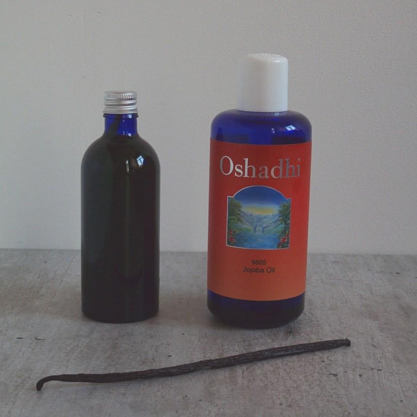 DIY Vanilla Oil