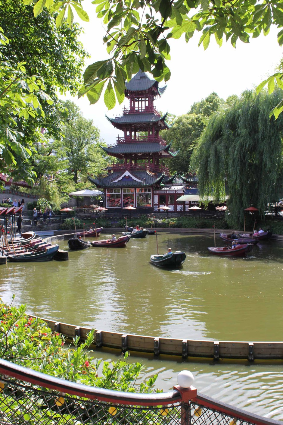 Tivoli, parc d'attractions à Copenhague