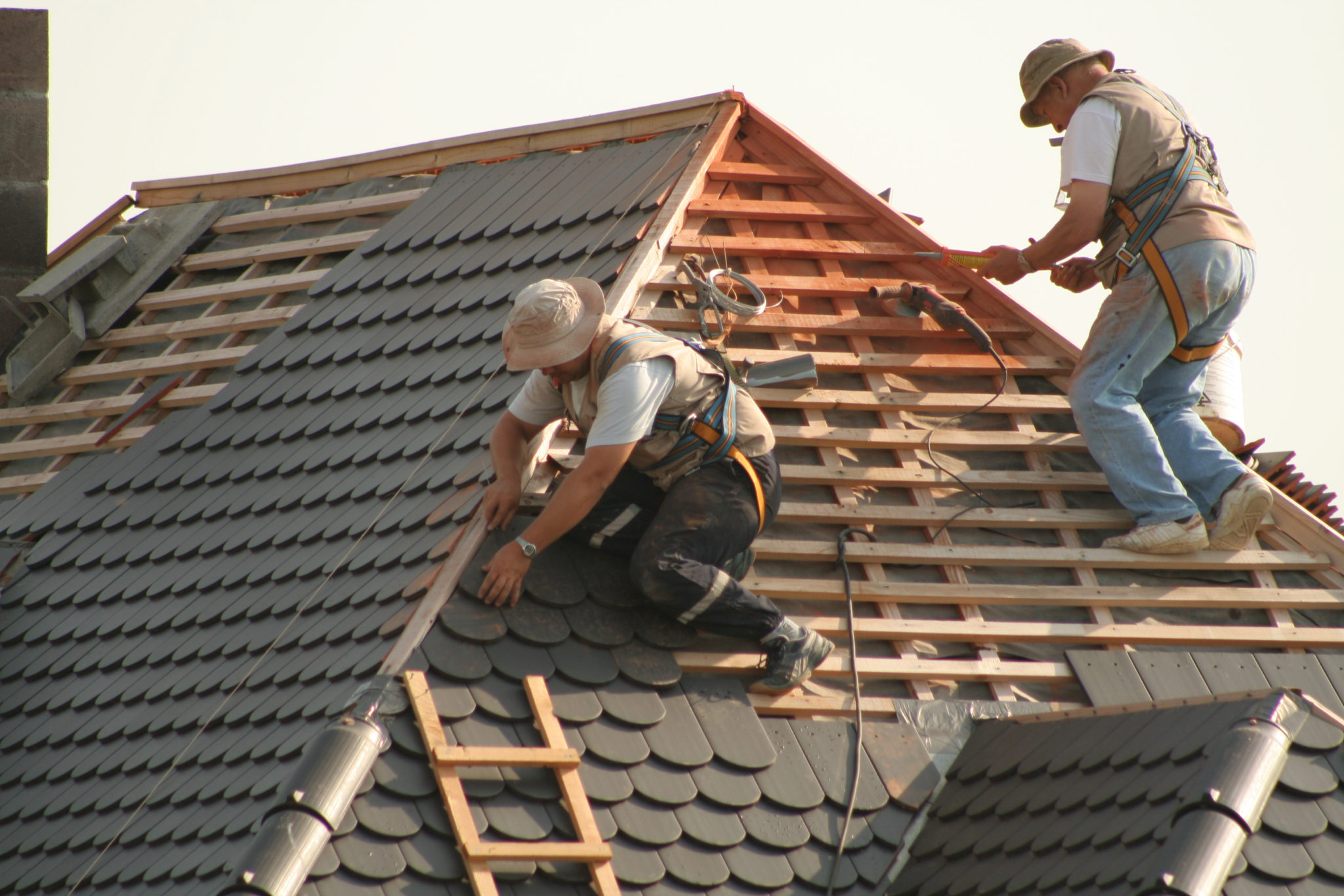 rooferslider3 Contact Us
