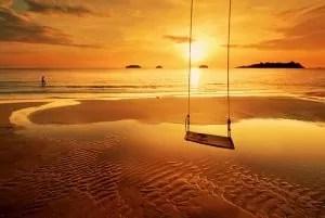 por-do-sol e baloiço