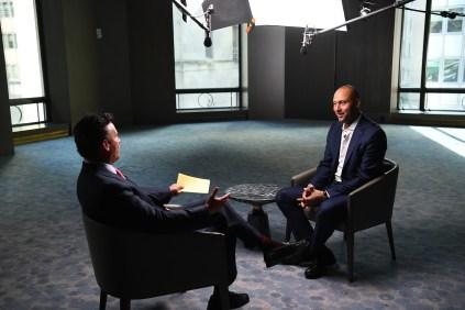 Karl Ravech (l) interviews Derek Jeter. (Joe Faraoni / ESPN Images)