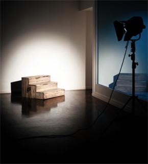 ALICE PEDROLETTI, SCALA DI SOGLIA (PORTATILE) 2011 6 stampe fotografiche su carta cotone, scala in legno con maniglie 50x60 cm cad. 60x90x90 cm