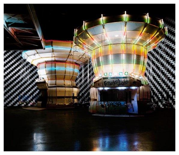 Carsten Höller, Double Carousel with Zöllner Stripes