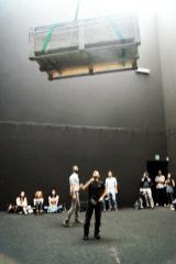 DC, Questa sosta non è un orto, performance di Mario Tomè, 2012. interazioni nel Cubo di Palazzo Crepadona. Foto Adamaria Giammarino