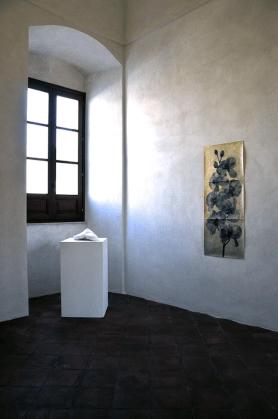 """Veduta della mostra """"Lontani come rami galleggianti"""", Ex Collegio dei Gesuiti, Alcamo (TP)"""