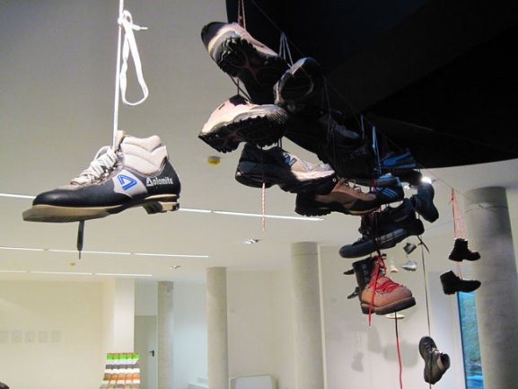 Matteo Attruia, Shoefiti, 2012