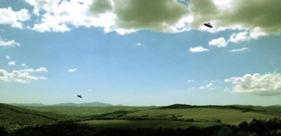 Rä di Martino, Paesaggio con dischi volanti (Castelgiocondo), 2012_stampa ai pigmenti su carta cotone,Cm 80x144
