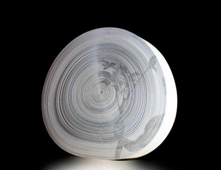 Giorgio Tentolini, Dendromorfismi 1, 2012, rotolo di carta, disegno a grafite, diametro 50 cm, profondità 10 cm