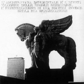 Ugo La Pietra_Il monumentalismo, 1972, 80x80 cm