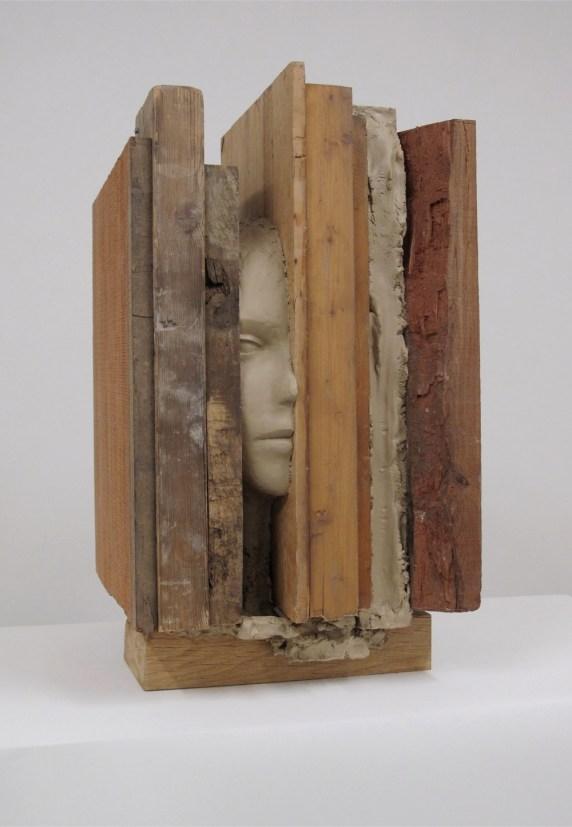 Mark Manders, Composition with Short Verticals, 2010, legno, legno dipinto e resina epossidica dipinta, cm 42x49x75.5, Collezione privata, Londra