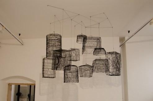 Andrea Bianconi, Traps for Clouds, 2013, installazione formata da 11 gabbie, dimensioni variabili. - Courtesy l'artista e La Giarina