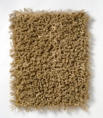 Jack Clemente, Senza titolo, 1968, corde intrecciate a tessuto parzialmente colorato applicato su tela, cm 84x60, Studio Gariboldi, Milano-Begamo