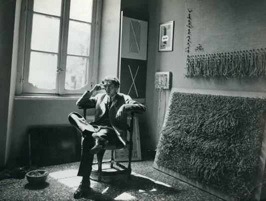 Jack Clemente nel suo studio