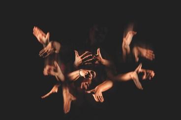 Studio Azzurro, Un Portatore di storie dello schermo laterale, In Principio (e poi), 2013, videoinstallazione interattiva, cm 530x1110x1110 Courtesy © Studio Azzurro